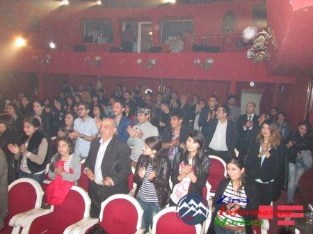 """Tiflisdə azərbaycanlı aktyorların iifasında Nodar Dumbadzenin """"Didro"""" əsəri oynanılıb"""