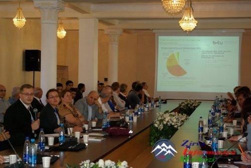 """AzTU-da """"Enerji istehsalı və effektliyi"""" mövzusunda beynəlxalq elmi seminar keçirilib"""