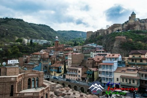 Azərbaycan dilinin tədrisi tarixində mühüm bir dövr: = Tiflis ziyalı mühiti ...