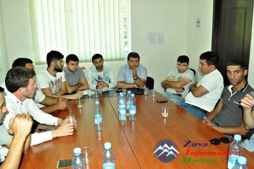 ATİ Azərbaycan dilli orta məktəblərdə təhsil reformalar mövzusunda dəyirmi  ...