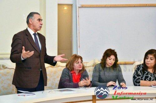 """Xəzangül xanımın """"Özümü axtarıram"""" şeirlər kitabının təqdimat mərasimi keçirilib"""