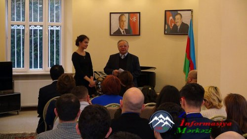 Varşavada Dünya Azərbaycanlılarının Həmrəyliyi Günü qeyd edilib