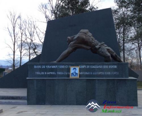 Gürcüstanda 20 Yanvar şəhidinin ailəsinə yardım edilib