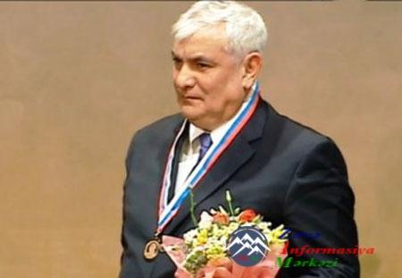 """Akademik Kamal Abdulla """"Qızıl Delviq"""" mükafatına layiq görülüb"""