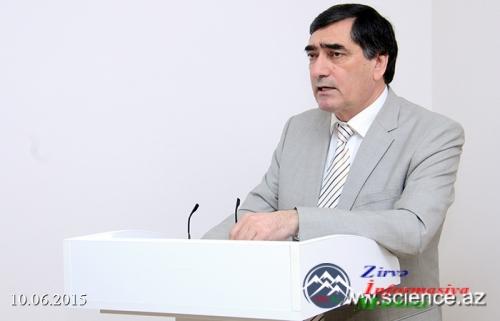 Ədəbiyyat filosofu (Yaşar Qarayev-80)