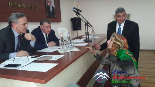 Milli Məclisin deputatı Əflatun Amaşov seçicilərlə görüşdü