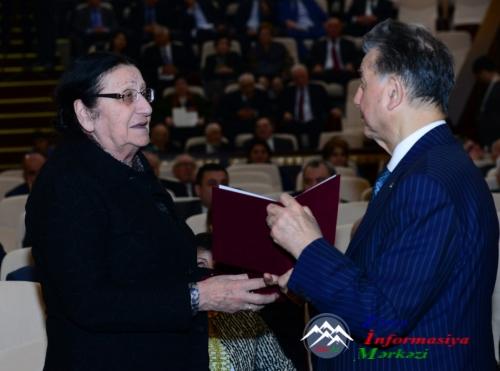 AMEA-nın illik ümumi yığıncağında Azərbaycan elminin aktual problemləri və prioritetləri müzakirə olunub