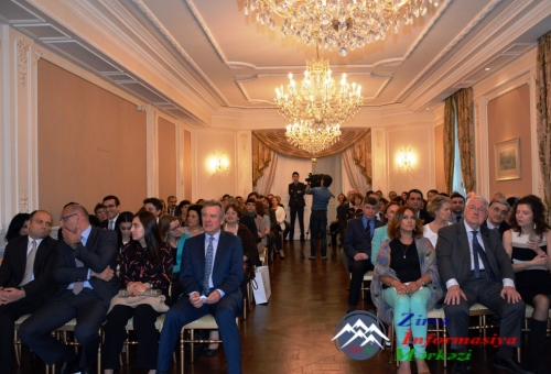 Ümummilli lider Heydər Əliyevin anadan olmasının 93-cü ildönümü Parisdə qeyd edilib