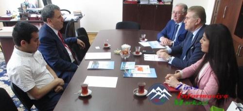 AMEA-da Türkiyə universitetinin rektoru ilə görüş keçirilib