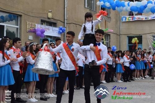 """Marneuli məktəblərində """"Son Zəng"""" çalındı"""