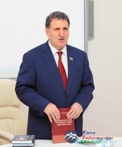 Akademik Kamal Talıbzadənin kitablarının təqdimatı olub