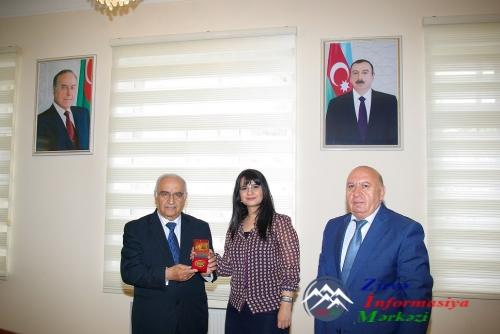 Təbrik edirik: AzTU-nun professoru qızıl medalla təltif olundu