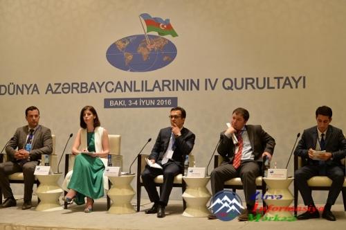 Dünya Azərbaycanlılarının IV Qurultayı işini davam etdirir