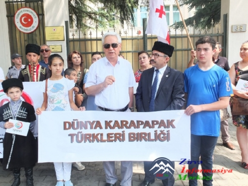 Gürcüstanda yaşayan türklər və azərbaycanlılar Türkiyəyə dəstək aksiyası ke ...