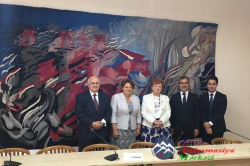 Latviyanın sabiq Baş naziri V Qlobal Bakı Forumunda iştirak edəcək