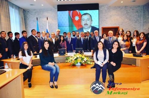 Azərbaycanda keçiriləcək referendum Rusiayadakı azərbaycanlı gənclərlə müza ...