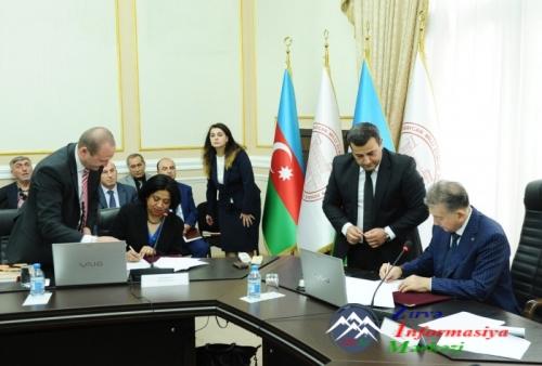 """Azərbaycan Milli Elmlər Akademiyası və """"Thomson Reuters"""" təşkilatı arasında əməkdaşlıq müqaviləsi imzalanıb"""
