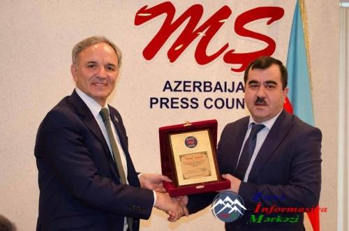 """Şərq"""" qəzeti Azərbaycan Mətbuat Şurasının diplomu ilə təltif edilib"""