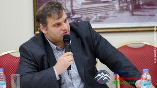 """Gürcü politoloq Qulbaat Rtsxiladze: """"Azərbaycanlıların kompakt yaşadığı ərazilərdə xaçların qoyulması düzgün deyil"""""""