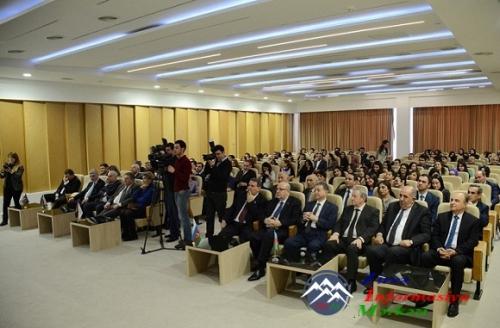 AMEA-nın prezidenti, akademik Akif Əlizadə Gənclərlə görüşüb