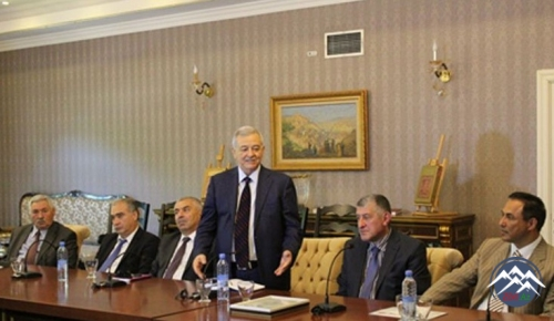 """Tbilisidə """"Multikulturalizm: beynəlxalq təcrübə və Azərbaycan nümunəsi"""" kit ..."""