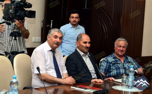 """Şahismayıl Şəmmədoğlunun """"Heydər Əliyev və Gürcüstan"""" kitabının təqdimatı olub"""