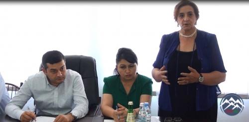 Gürcüstan parlamentinin mojaritar deputatı Savalan Mirzəyev Azərbaycandilli məktəblərin müəllim kollektivi ilə görüşüb