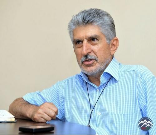 """""""Şair ola bilməyən şair - Lətif Mustafaoğlu"""""""
