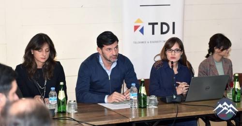 Tiflis şəhər meri vəzifəsinə namizəd Kaxa Kaladze dini birliklərin nümayənd ...