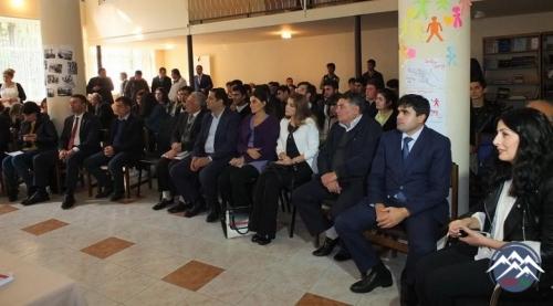 Gürcüstanda azərbaycanlı alimin gürcü dilində nəşr olunan kitabının təqdimatı keçirilib