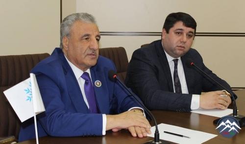 YAP Yasamal rayon təşkilatında sosial şəbəkələrdə fəal iştirak edən gənclər ...