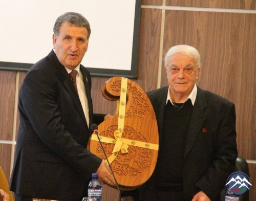 Akademik Elizbar Cavelidze və Azərbaycan