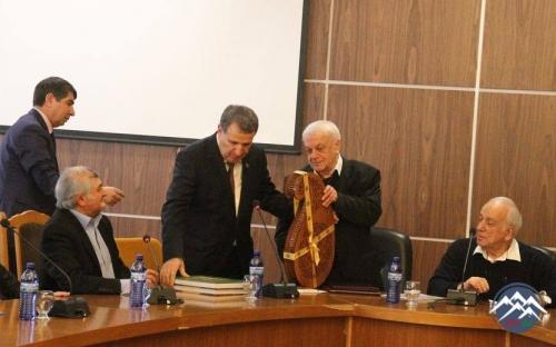 AMEA-nın vitse-prezidenti Tbilisidə akademik Elizbar Cavelidzenin 80 illik yubiley tədbirində iştirak edib