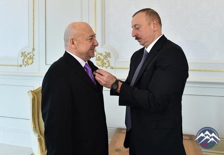İlham Əliyev Moskva Akademik Satira Teatrının direktoru Məmmədəli Ağayevi qəbul edib