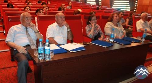 Akademik Cəlal Əliyevin doğum günündə daha iki nəfər yetirməsi dissertasiyasını uğurla müdafiə edib