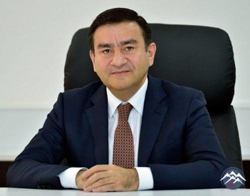 ALİ ATTESTASİYA KOMİSSİYASININ YENİ RƏHBƏRİni Ramiz Mehdiyev kollektivə təq ...