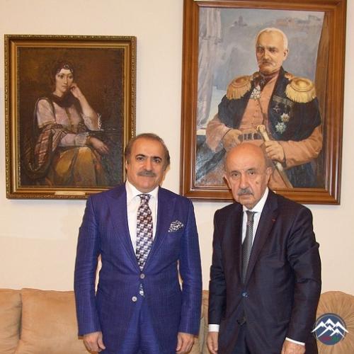 Milli Azərbaycan Ədəbiyyatı Muzeyində tanınmış ictimai-siyasi xadim Ramiz Abutalıbovla görüş keçirilib