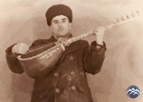 AŞIQ ƏHMƏD SARACLI (1921-1997)