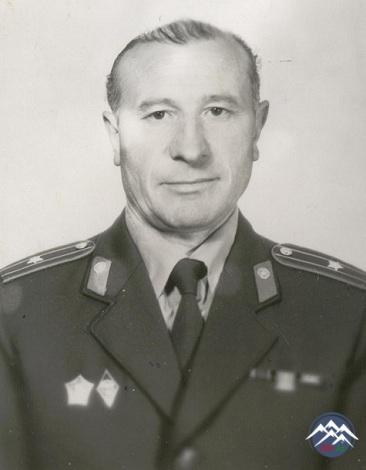HÜSEYNPAŞA  HACIYEV  (1935-1998)