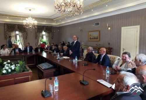 Tiflisdə Azərbaycan Dövlət Dram Teatrının keçmiş direktorunun anım günü keç ...