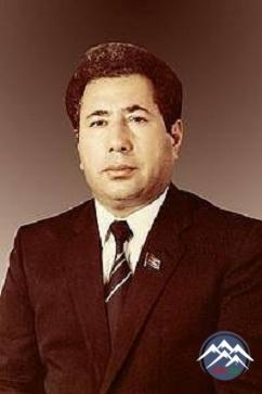 Yüksək bədii təfəkkürlü partiya işçisi Eloğlu - Qəşəm Aslanov