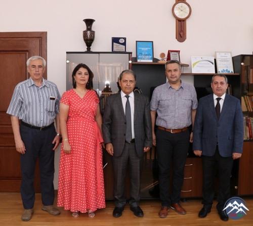 Rumıniyanın Piteşti Universitetinin alimləri AzTU-nun rektoru ilə görüşüblər