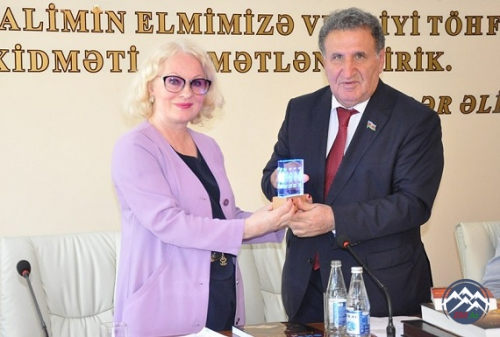 """Qoşa qanad: VI Fizika və lirika konfransı"" keçirilib"