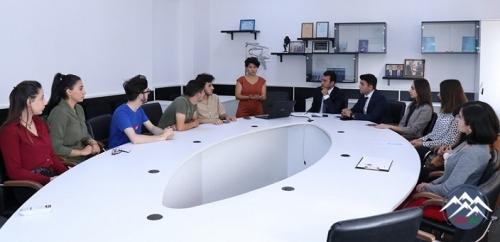 Baku İdeaLab Təlim mərkəzi layihələrin həyata keçirilməsində həmişə gənclər ...