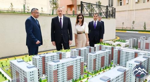 """İlham Əliyev məcburi köçkünlər üçün salınmış """"Qobu Park-2"""" yaşayış kompleksinin açılışında iştirak edib"""