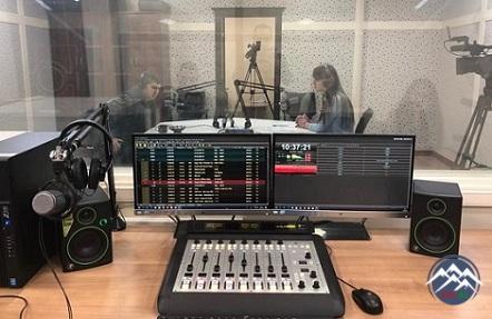 Tələbələrin sevimli məkanı –Tədris tele-radio studiyasında