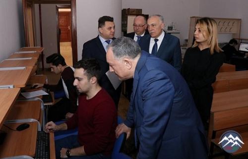 AzTU rektoru şifahi imtahan prosesini izlədi