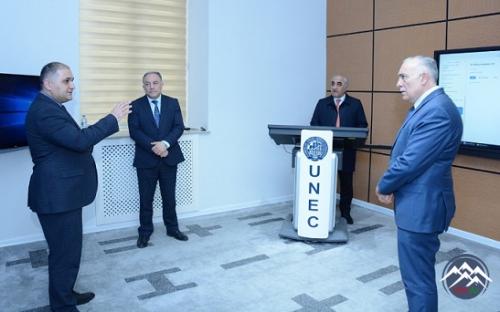 AzTU-nun rektoru UNEC-də distant tədris prosesi ilə tanış olub