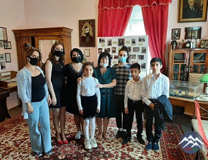 Kitabxananın əməkdaşları Abdulla Şaiqin mənzil muzeyinə ekskursiya təşkil ediblər